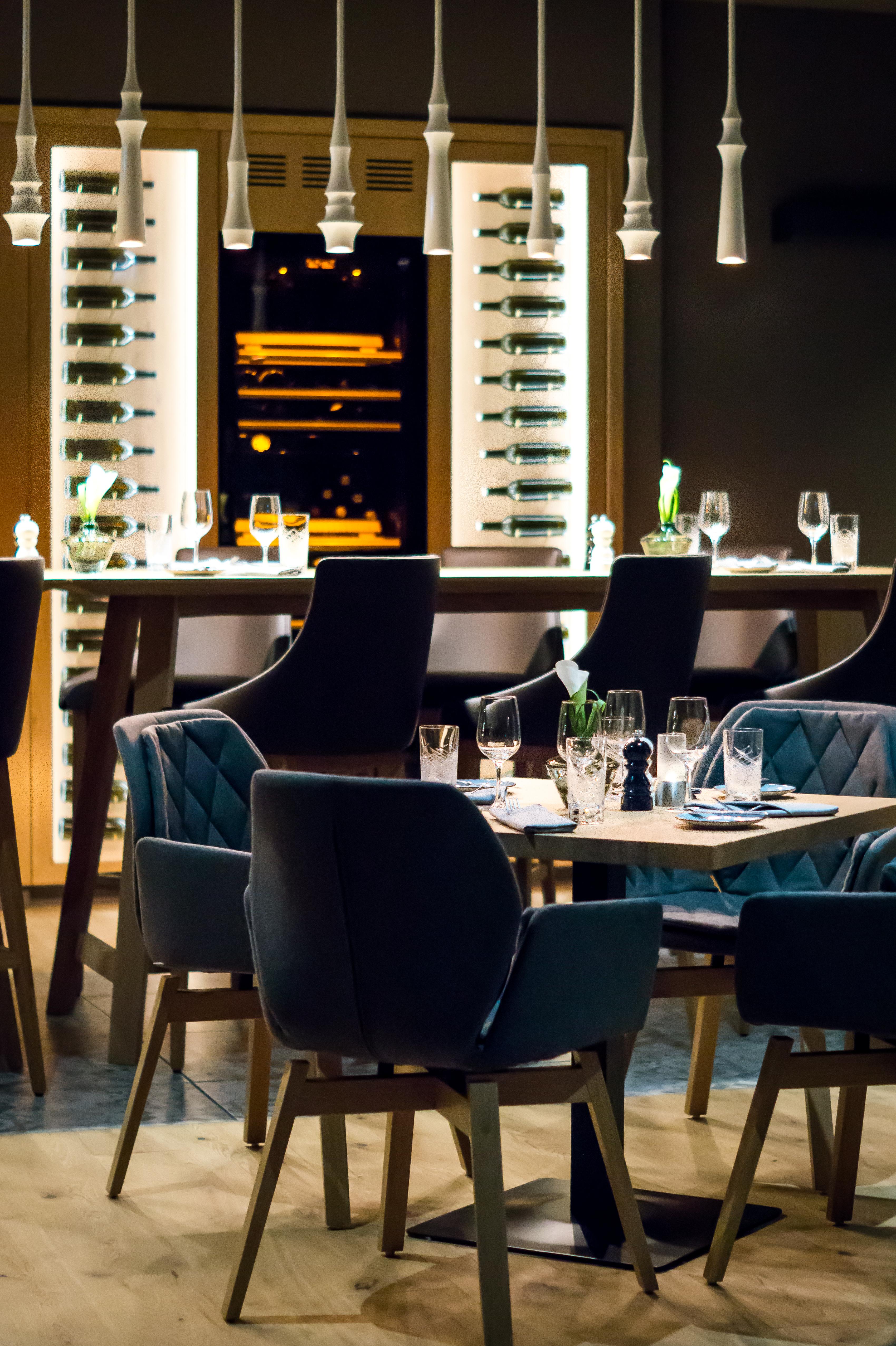Frais De Table De Bar Cuisine Schème